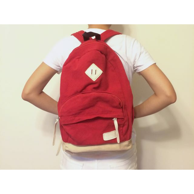 卡其配紅大容量包包