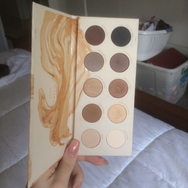 Authentic Zoeva Naturally Yours Eyeshadow Palette