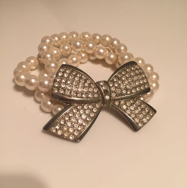 Diamond Bow Pearl Bracelet