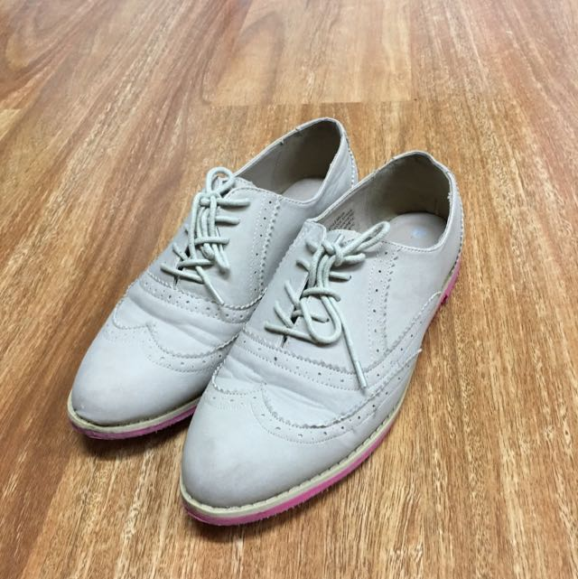 Light And Girly Derby Shoes
