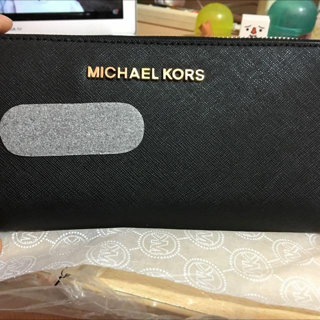 [全新/含運]MICHAEL KORS 字母LOGO防刮皮革拉鍊長夾-黑