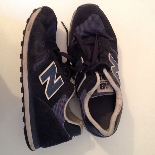 Navy and White 373 New Balance Sneakers Women's Size 8.5
