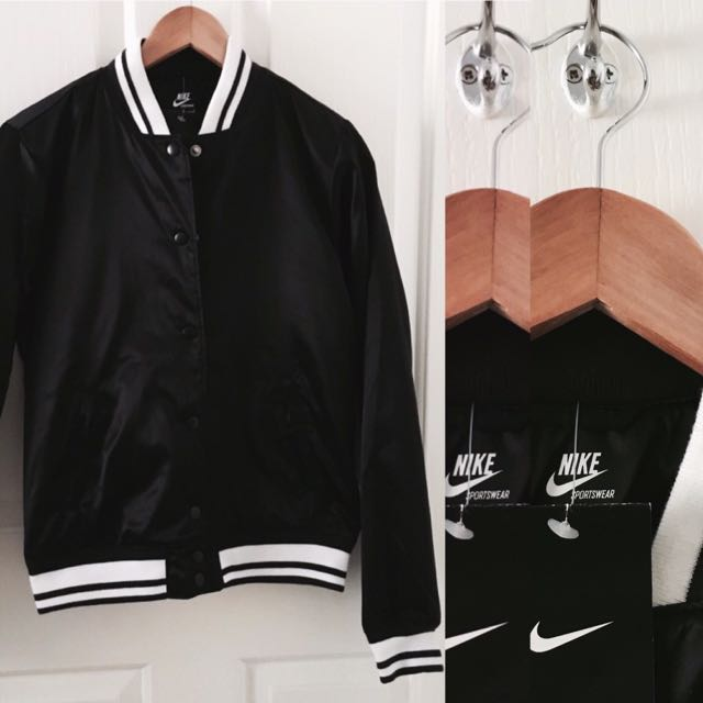 NIKE Bomber jacket - Size M