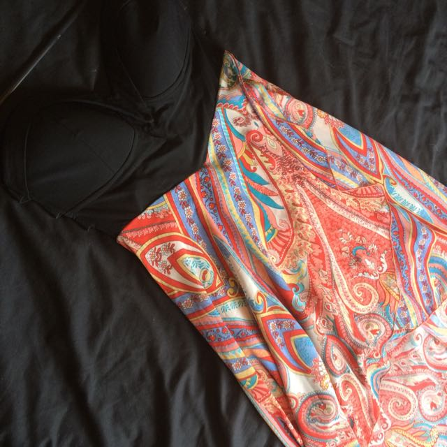 Size L - Paisley Print Mullet Dress