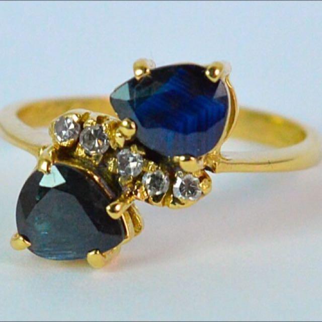 Vintage 18 Carat Yellow Gold Pear Cut Sapphire & Diamond Ring