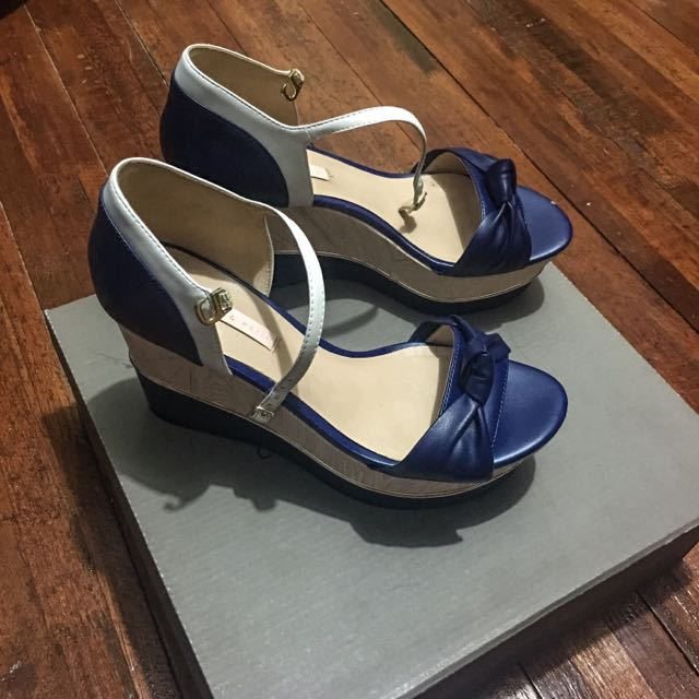 Wedge Shoes/ Sandals By Charles&Keith
