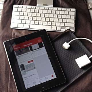 iPad 2 64GB and FREE Accessories (SOLD)