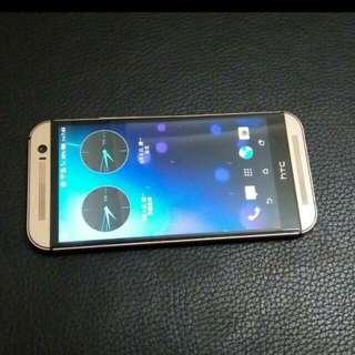 9成新HTC的M8(不二價)
