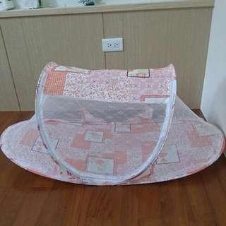 全新便攜式防蚊嬰兒床