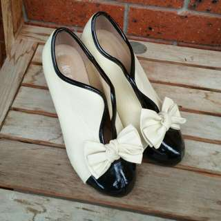 Cream Black Open Bow Heels, 38