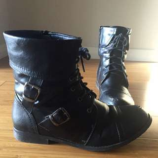 Betts Army Boots