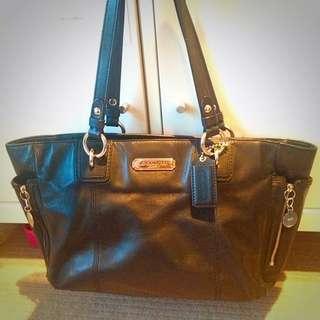 Original Coach leather handbag black in very good condition