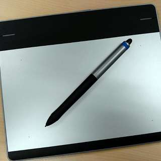 Intuos Pen & Touch Small CTH-480