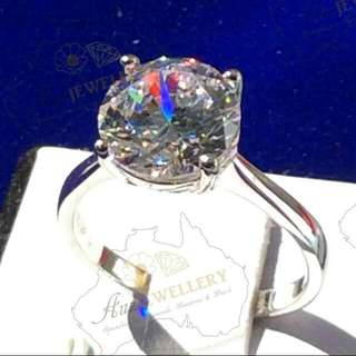 Diamond Ring in Real 925 Silver - Real 925 Silver.