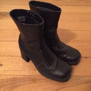 Mid Calf Black Flat Toe Heeled Boots