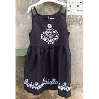 dress old navy hitam size 3T