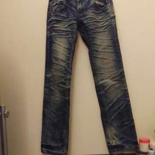 #免購物,直接送。運費請自付 韓國  刷色直筒褲 此款版型挺,無彈性ㄛ