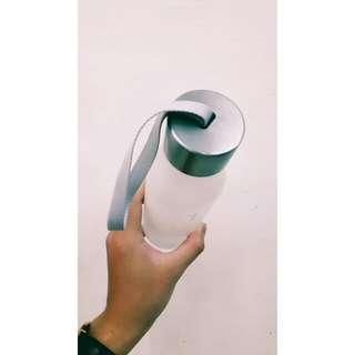 白色霧面裝水瓶👀