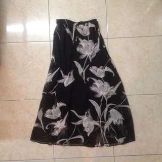 #1212sale Long Skirt By Metro Wear