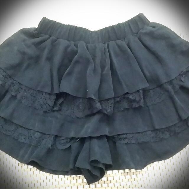 二手 韓製造 黑色蛋糕 褲裙