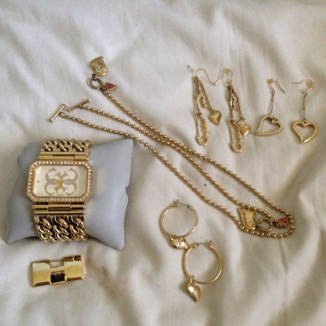 Assorted Guess Jewellery