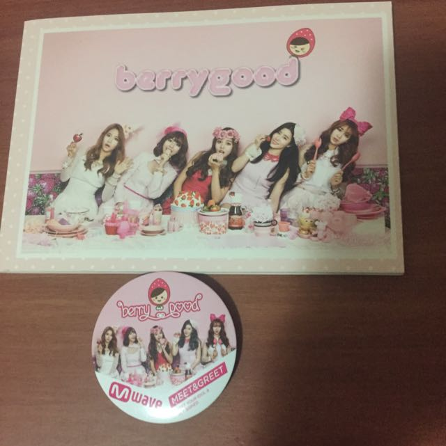 BERRY GOOD ALBUM AND SIGNED SLOGAN