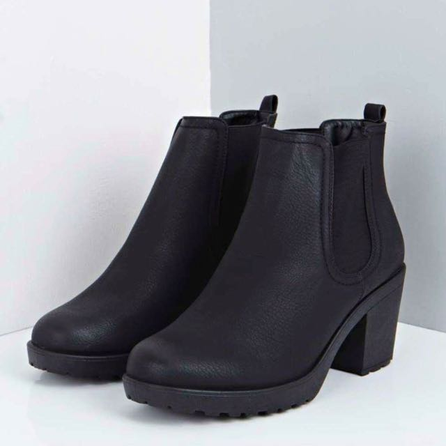BRAND NEW CHUNKY ANKLE BOOTS
