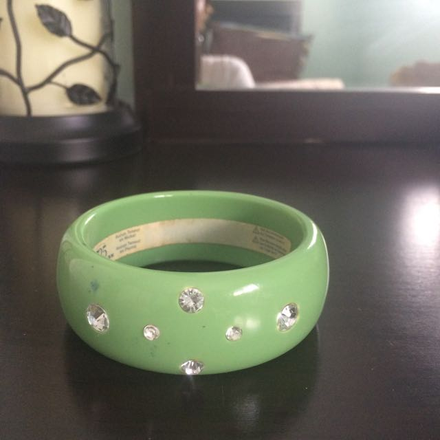 Green Diamond Studded Bangle