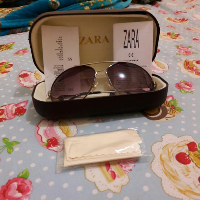 Kacamata Merk Zara Original..beli Disingapore Msh bgs.model Rayban...frame Warna Biru..glasees Ultraviolet. Jual Rugi Waktu Beli 200 Usd..