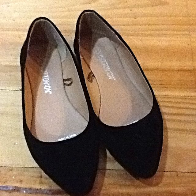 New Size 37 Suede Flats