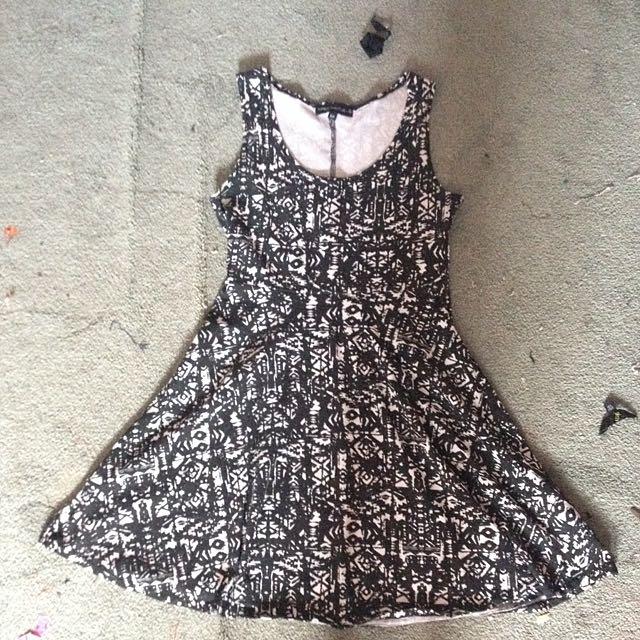 Small Black/white Dress