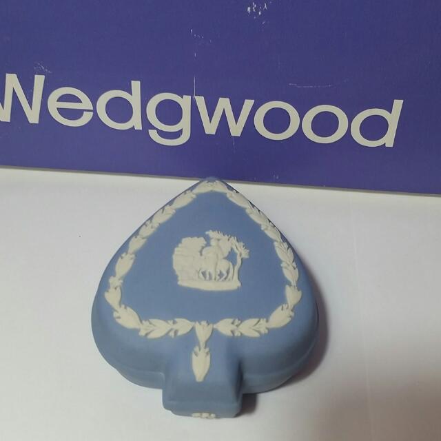 英國皇室御用WEDGWOOD Jasperware 珠寶盒