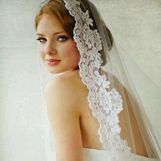 New White Wedding Veil/Nouveau voile de mariée blanch
