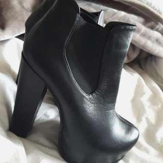 Boohoo Chelsea Platform Boots