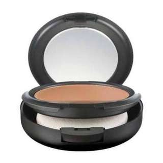 MAC Studio Fix Foundation NC40