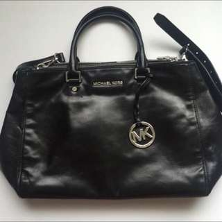 (sold)authentic michael kors bag