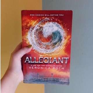 Allegiant by Veronica Roth (Bahasa Inggris)