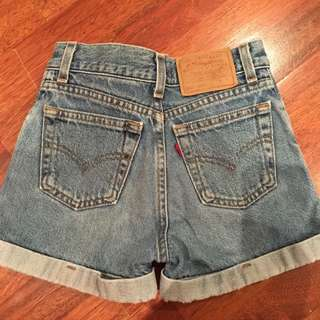 *PENDING Levis High Waisted shorts