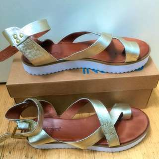 Inuovo Gold Sandals