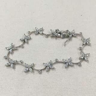 Sterling Silver Cubic Zirconia Flower Curved Bracelet