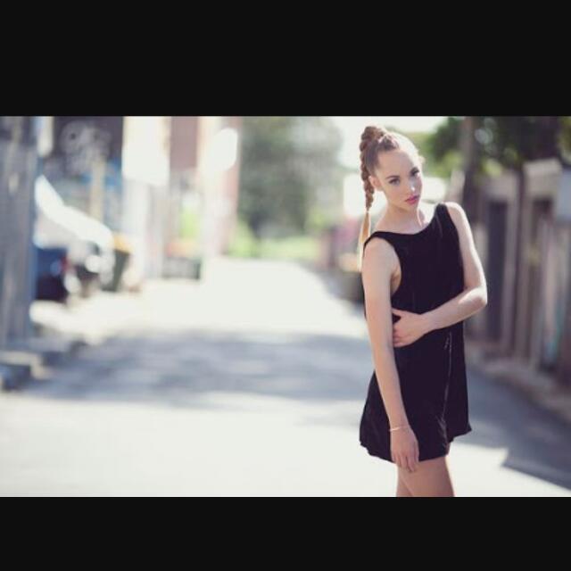 Amilita Low Back Short Velvet Dress