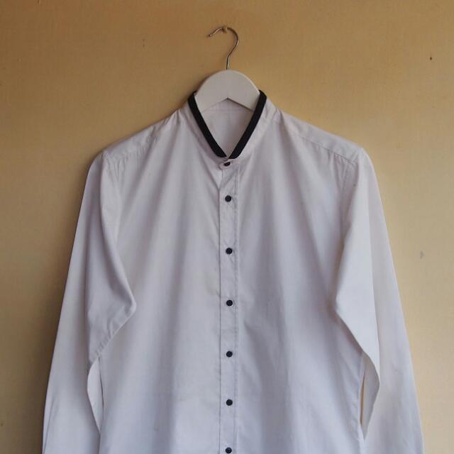Contrast Narrow-collar Shirt