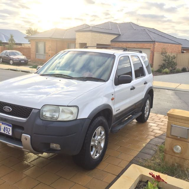 Ford Escape XLT 4x4 3.0L