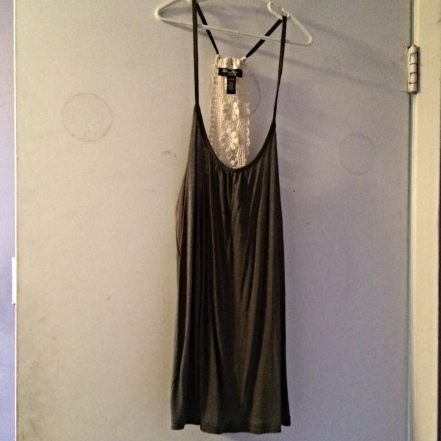 Green, Flowy, Lace Tank top. Size Small