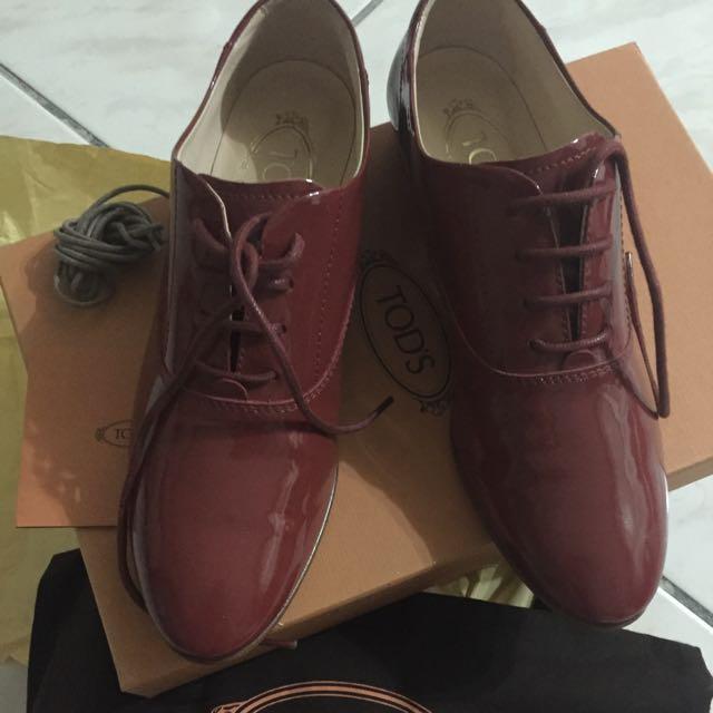 全新Tod's漆皮牛津鞋
