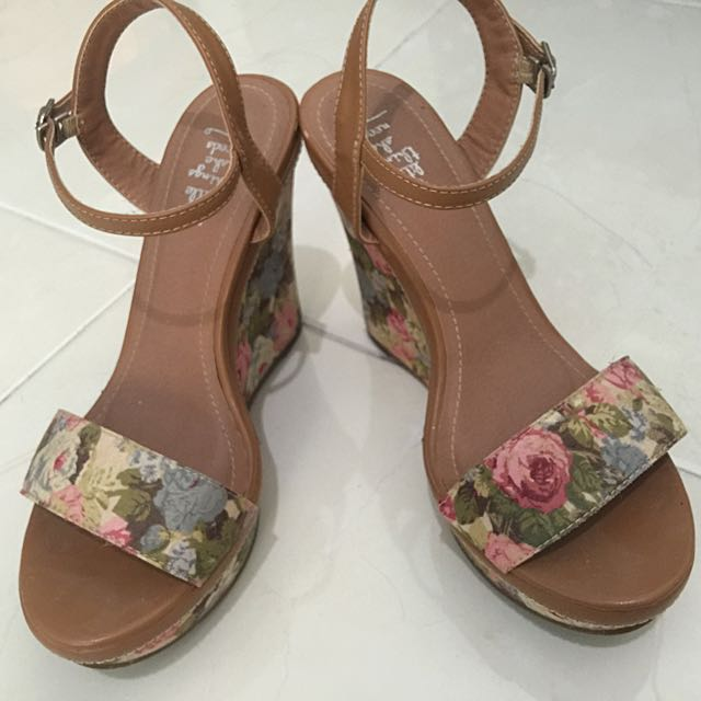 Wedges Floral Shoes (size 37)