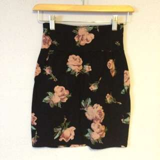 Talula Floral Rose Body Con Skirt (XS)