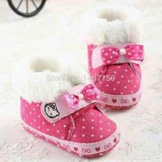 Sepatu anak bayi new born usia 0 - 6 bulan lucu dan keren untuk anak perempuan