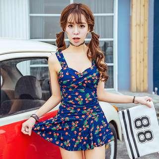 【加贈泳鏡】現貨/韓版洋裝式連身式櫻桃圖紋泳裝(有鋼托超集中)