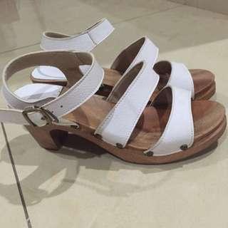 Linea Pelle - White Clog Heels